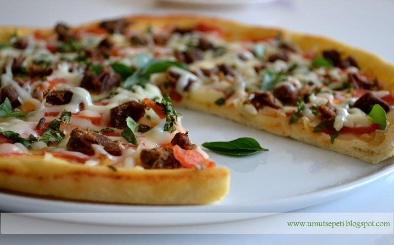 Kavurmalı Pizza ve Dahası :)