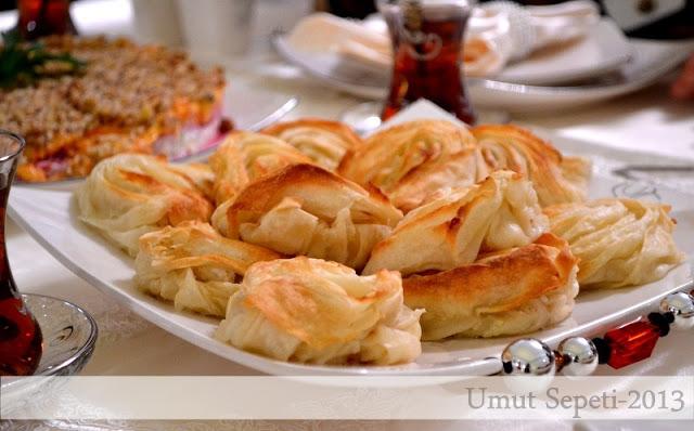 midye börek nasıl yapılır,kolay börek,börek tarifleri,pratik börek tarifleri