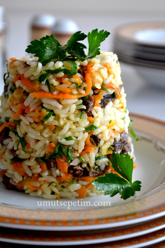 pilav tarifi,pirinç pilavı tarifi,sebzeli pilav,pilav yapmanın püf noktaları