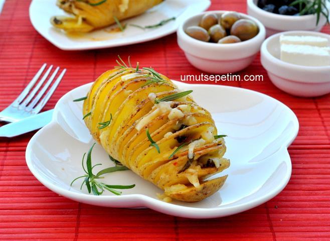Kaşarlı  Çıtır  Patates  Dilimleri