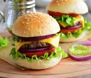 Ev  Yapımı  Köfte  Burger  Tarifi