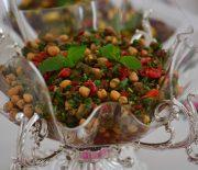 Köz Patlıcanlı Nohut Salatası